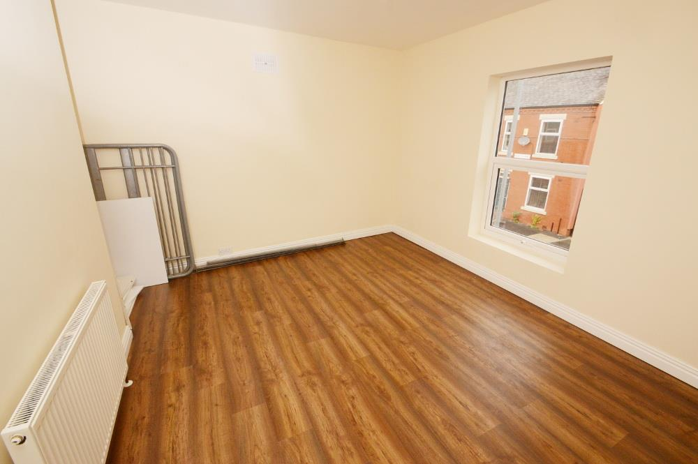 2 Bedrooms End Of Terrace House for sale in Edith Avenue, Manchester